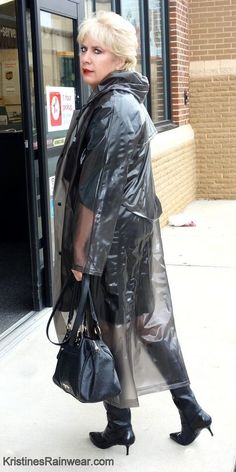 A raincoat for every day Vinyl Raincoat, Pvc Raincoat, Plastic Raincoat, Plastic Pants, Plastic Mac, Imper Pvc, Rain Bonnet, Black Mac, Shopping