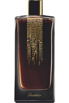 Rose Nacree du Desert by Guerlain is a warm, spicy, rosy Oriental Floral fragrance built on lush Persian roses, the legendary blossom of the east. Creamy yet dark, rose is given a mysterious air via saffron, patchouli and a hint of agarwood (oud), fanned on rich benzoin resin. - Fragrantica