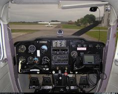 Cessna 150 aircraft picture