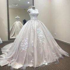 Gorgeous Cap Sleeves Applique Lace Long Birdes Ball Wedding Dresses, BG51574