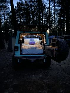 Jeep Wrangler Camping, Blue Jeep Wrangler, Jeep Wrangler Interior, Jeep Camping, White Jeep Wrangler Unlimited, Jeep Wrangler Accessories, Jeep Accessories, Jeep Renegade, Jeep Truck