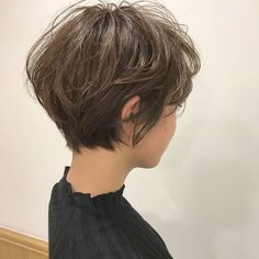 16 Fashionable Office Outfit Ideas for Spring and Summer – Excellent Hair Styles Short Hair With Layers, Short Hair Cuts For Women, Pixie Hairstyles, Pretty Hairstyles, Haircuts, Tomboy Hairstyles, Shot Hair Styles, Curly Hair Styles, Short Haircut Styles