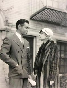 Clark Gable and Carole Lombard early Hollywood Couples, Old Hollywood Movies, Old Hollywood Glamour, Hollywood Actor, Golden Age Of Hollywood, Vintage Hollywood, Hollywood Stars, Classic Hollywood, Hollywood Pictures