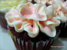 Shows how to pipe the frosting to make flower cupcakes! Video included!