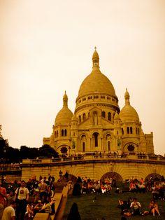 Sacre Cœur, Montmartre, Paris. GORGEOUS!