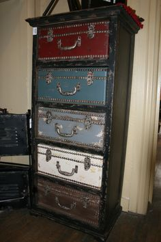 Accent Furniture Pieces. Perfect statement piece for your room.