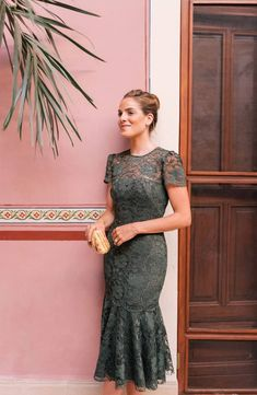 <img> Gal Meets Glam Collection Eve Lace Midi Dress in Forest Green Green Lace Dresses, Pretty Dresses, Semi Formal Dresses For Wedding, Mode Chic, Gal Meets Glam, Lace Midi Dress, Formal Midi Dress, Nordstrom Dresses, Bridal Dresses