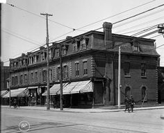 The N/W corner of Queen and Lisgar in 1919