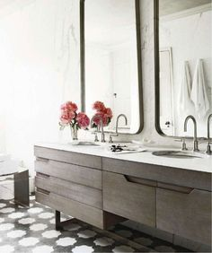 muted-yet-eclectic mix. bathroom