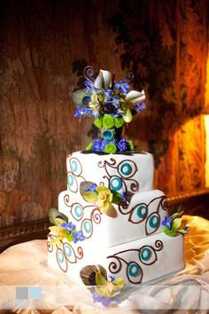 peacock cake by @jmichellef
