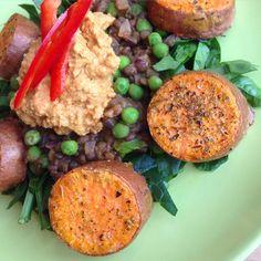 Linserøre med søtpotet og hummus Vegan Hummus, Risotto, Grains, Rice, Ethnic Recipes, Food, Hoods, Meals, Seeds