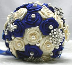 Free Shipping Blue and Ivory Rose Wedding Flowers Wedding Bouquet Brides Vintage Posy Pearls Brooches buque de noiva