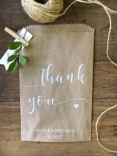 Wedding favor bags - Cookie or Candy Buffet Bags - Dessert Bar Favor Bags -unique thank you gift - Set of 25 Wedding favor bags, thank you, Rustic Candy Buffet Sacks, Custom Wedding Favors, Recycled Brown Paper Personalized Print. Cookie Wedding Favors, Handmade Wedding Favours, Creative Wedding Favors, Inexpensive Wedding Favors, Edible Wedding Favors, Wedding Favor Bags, Beach Wedding Favors, Wedding Favors For Guests, Wedding Thank You