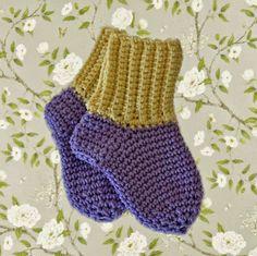 Virkade strumpor/sockor i Matilda (Eller Freja/Ulrika) Passar till en bebis som är runt halvåret. Matilda = bomull Freja = akryl...