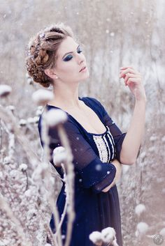 Looking at snow portrait inspiration - I love this. The blues against the snow!