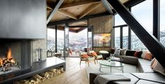 Owl Creek Residence von Skylab Architecture in Colorado, USA Small Living Room Design, Living Room Designs, Living Room Modern, Living Area, Sectional Coffee Table, Sectional Sofa, Coffee Tables, Sofas, Living Room Hardwood Floors