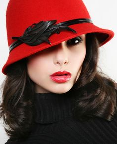 rock that red Fascinator, Headpiece, Derby Attire, Perfect Red Lips, Black Church, Red Day, Love Hat, Luxury Dress, Hat Hairstyles