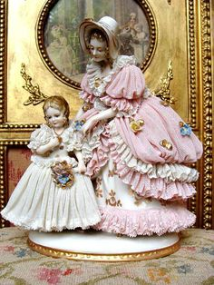 Wonderful early Dresden figurine mother and girl. from les-fees-du-temps on Ruby Lane 48 Gorgeous Interior European Style Ideas That Always Look Great – Wonderful early Dresden figurine mother and girl. from les-fees-du-temps on Ruby Lane Source Porcelain Jewelry, Fine Porcelain, Porcelain Ceramics, Porcelain Tiles, Porcelain Doll, Porcelain Skin, Japanese Porcelain, Dresden Dolls, Dresden Porcelain