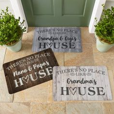 Need a unique gift? Send Our Favorite Place Doormat and other personalized gifts at Personal Creations. Cricut Explore Projects, Ideas For Cricut Projects, Diy Vinyl Projects, Cricut Ideas, Diy Crafts For Adults, Cricut Craft Room, Cricut Vinyl, Vinyl Decals, Circuit Projects