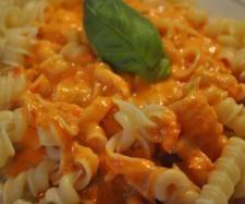 Rezept Pasta in Paprika-Cheddar-Soße von Missy Freckles - Rezept der Kategorie Hauptgerichte mit Gemüse