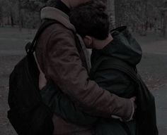 Shared by Find images and videos about love, boys and gay on We Heart It - the app to get lost in what you love. Gay Aesthetic, Couple Aesthetic, Aesthetic Pictures, Tumblr Gay, Couple Fotos, Gay Lindo, Parejas Goals Tumblr, Gay Romance, Will Byers