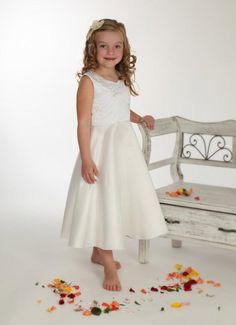 """so schlicht - so hinreißend:  Nikella - Blumenmädchenkleid """"Blanka"""" - Blumenmädchenkleider - Festliches"""