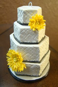 a miniature replica of your wedding cake as a christmas ornament! (4 inches tall)