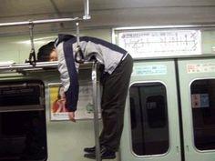 【画像】電車の中ですごい人を発見したwwwwww : 無題のドキュメント