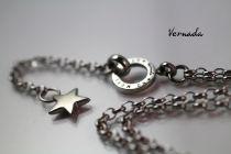 Vernada Design NO MORE EXCUSES -siro kaulaketju, TÄHTI, TERÄS, pitkä  #Vernada #jewelry #koru #teräskoru #ruostumatonteräs #stainless #steel #suomestakäsin #käsityökortteli #finnishdesign #finnishfashion