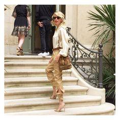 A Parigi per la sfilata di #AlbertaFerretti... Incantata e affascinata come una bambina  #Buonweekend a tutti!!!  #LaPinella #fw16 #altamoda #hautecouture #AFlimitededition #Paris #lapinellaaroundtheworld http://www.lapinella.com/2016/07/08/a-parigi-per-la-limited-edition-di-alberta-ferretti/