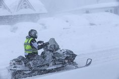 Russian winter hits USA hard A snow storm claimed at least seven lives and dumped up to six feet of snow on parts of upstate New York, New Hampshire and Michigan winter_usa_snow