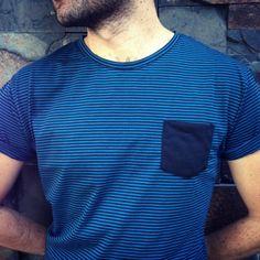 Nueva camiseta minirayas azules y negras. #belikepardo (at Pardo)