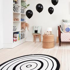 oyoy kids black and white play rug