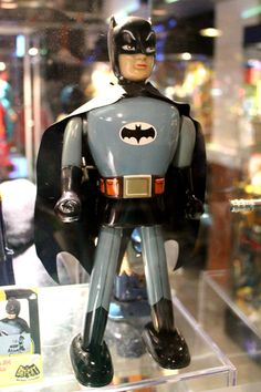 Rare 1966 Batman Wind up tin toy From Batcat Museum Thailand