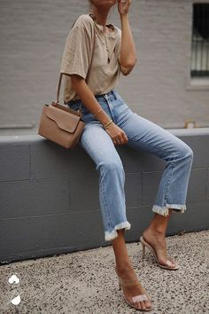 Women Casual Jeans Outfit Jeans Store Mens Casual Wedding Guest Attire Casual Fashion For 50 Year Old Man 2017 Super High Rise Jeans Long Black Skirt Outfit Casual Casual Sporty Outfits Pastel Outfit, Beige Outfit, Neutral Outfit, Mode Outfits, Jean Outfits, Trendy Outfits, Outfits With Jeans, Trendy Jeans, Jeans With Heels