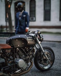 Charm, style, perfect line… This black Cafe Racer is a bike with class. Amazing shot taken from Tag on your… Ducati Cafe Racer, Ducati Scrambler, Cafe Racer Bikes, Cafe Racer Motorcycle, Cafe Racers, Ktm Motorcycles, Bike Style, Moto Style, Custom Motorcycles