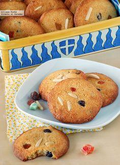 Galletas chocolate blanco con frutas Small Cake, Sweet Recipes, Pancakes, Muffin, Galletas Chocolate, Cookies, Breakfast, Desserts, Food