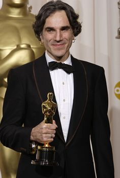 Heres How Much Best Actor Daniel Day-Lewis Golden Oscar Would be Worth - http://www.creditvisionary.com/heres-how-much-best-actor-daniel-day-lewis-golden-oscar-would-be-worth