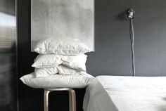 Bedroom grey/white
