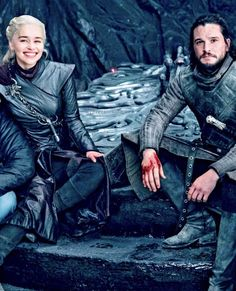 Emilia (with knife stuck in her) and Kit after filming her death scene. Episode Season Game of Thrones. Emilia (with knife stuck in her) and Kit after filming her death scene. Episode Season Game of Thrones. Game Of Thrones Facts, Game Of Thrones Quotes, Hbo Game Of Thrones, Got Jon Snow, John Snow, Series Movies, Tv Series, Daenerys And Jon, Game Of Throne Actors