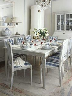 White and gingham  dining room