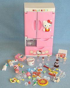 2000 Sanrio Hello Kitty Mini Fridge and Food 0 Sanrio Hello Kitty, Hello Kitty Toys, Accessoires Lps, Wonderful Day, Hello Kitty Collection, Mini Craft, Paper Crafts, Diy Crafts, Miniature Crafts
