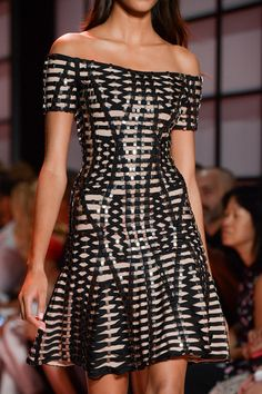Hervé Léger Spring 2015 Spring 2015 Fashion, Fashion Week, Runway Fashion, High Fashion, Fashion Show, Fashion Design, Beautiful Dresses, Nice Dresses, Short Dresses
