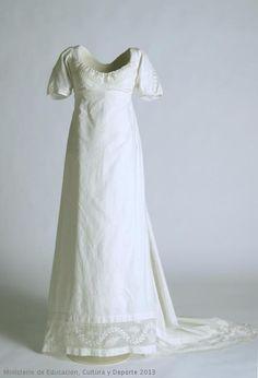 Dress 1800-1805 Museo del Traje