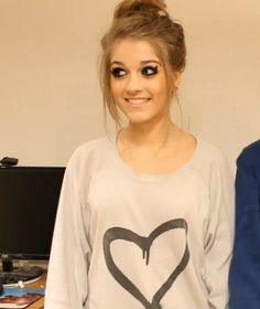 IF ANYONE KNOWS WHERE SHE GOT THIS SHIRT PLEASE PLEASE PLEASE TELL ME! <3 thanks :*