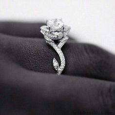 beauty and the beast inspired ring. Oh my gosh I need this.