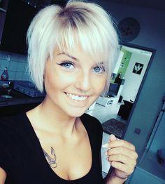 """3,447 kedvelés, 22 hozzászólás – @shorthair_love Instagram-bejegyzésének megtekintése: """"@lisa_marie.xoxo #pixiecut #undercut #shorthairlove #shorthair #haircut #hairstyle"""""""