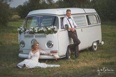 Esküvői autó vw kisbusz virágokkal