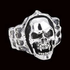 vampire-skull-ring