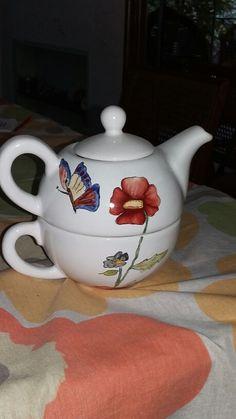 Tetera y taza